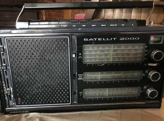 Vends Radio Grundig Satellite 2000