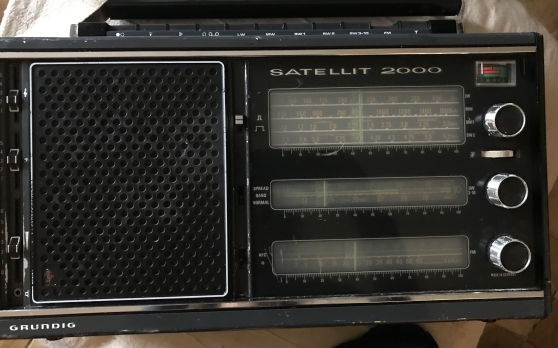 Vends Radio Grundig Satellite 2000 - Photo 2