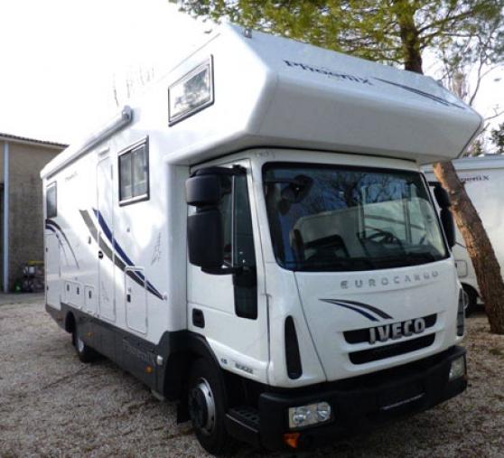 camping car poids lourd phoenix capucin caravanes camping car camping car rochefort du gard. Black Bedroom Furniture Sets. Home Design Ideas