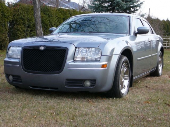 2009 chrysler 300 limited 300c 300m auto chrysler ayrens reference aut chr 200 petite. Black Bedroom Furniture Sets. Home Design Ideas