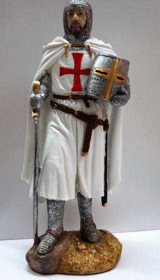 Annonce occasion, vente ou achat 'Figurine Templier avec heaume.'