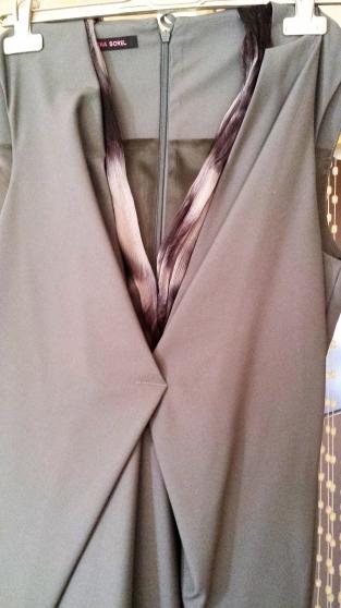 Petite Annonce : Robe été - ROBE---HELELA SOREL------COULEUR GRISE----100% SOIE----TAILLE