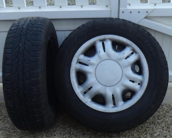 Annonce occasion, vente ou achat 'pneus neige'