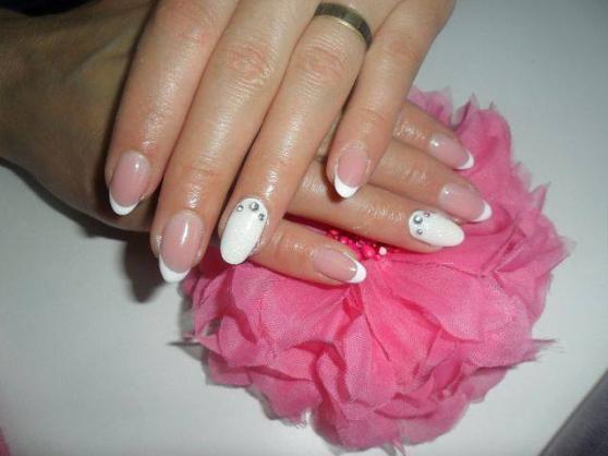 Annonce occasion, vente ou achat 'Ongles en gel, vernis permanent'