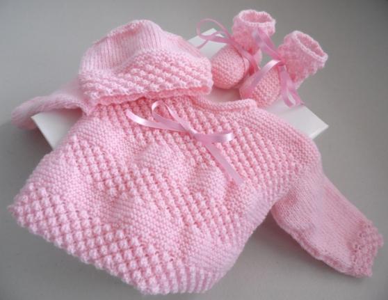 Annonce occasion, vente ou achat 'Trousseau rose tricot laine bébé fait ma'