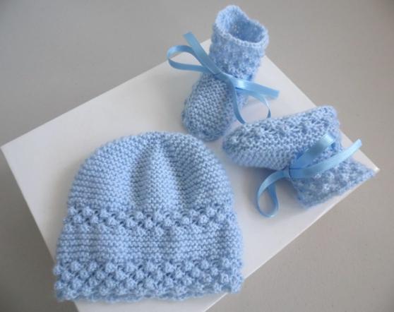 Annonce occasion, vente ou achat 'Bonnet chaussons BLEUS tricot laine fait'