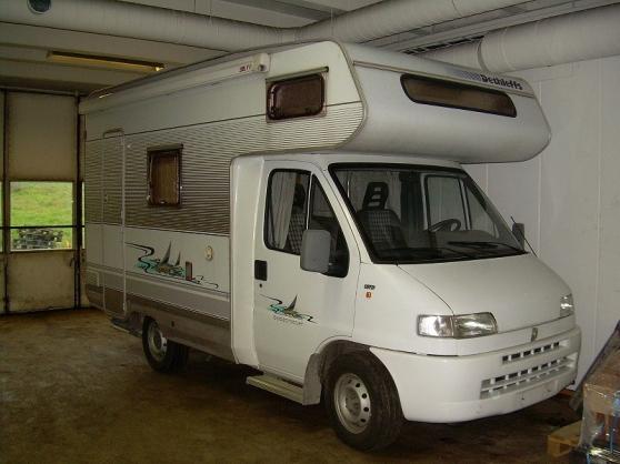 donne camping car dethleffs globetrotter caravanes camping car camping car perpignan. Black Bedroom Furniture Sets. Home Design Ideas