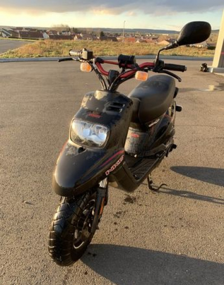 scooter yamaha naked