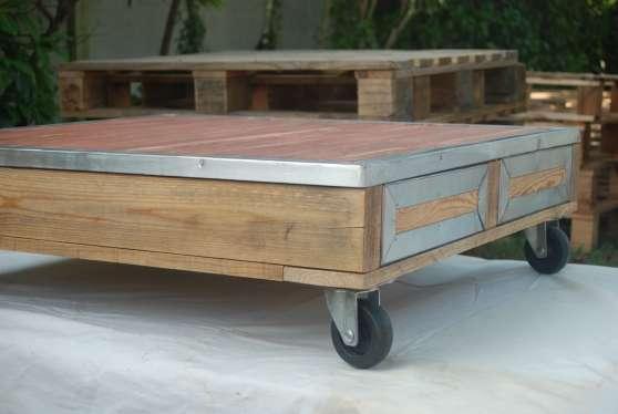table basse palette sur roulettes meubles d coration. Black Bedroom Furniture Sets. Home Design Ideas