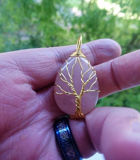 Annonce occasion, vente ou achat 'Pendentif arbre de vie pierre quartz ros'