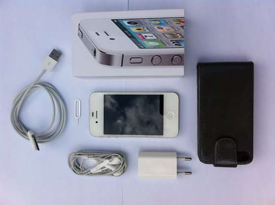 Smartphone Apple Iphone 4s 16 Gigas T L Phonie Iphone La Rochelle Reference T L Iph Sma