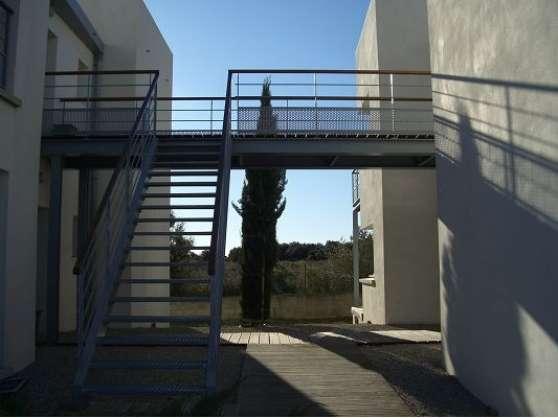 80 m² bureaux Castries à louer