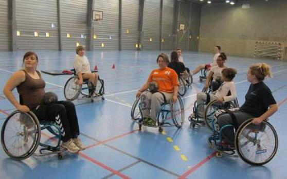 recherche joueurs(e) handball handisport - Photo 2