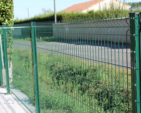 Panneaux soudés pour clôtures
