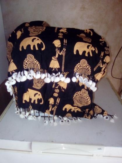 Annonce occasion, vente ou achat 'ensemble africain fille et robe espagnol'