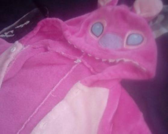 un pyjama combi stitch et une robe