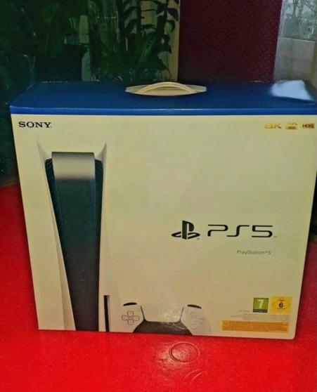 je vend une PS5 la console et neuve