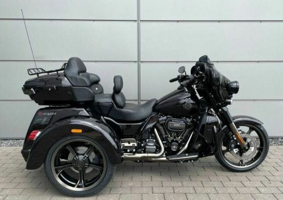 Harley-Davidson Tri Glide FLHTCUTGSE Tri