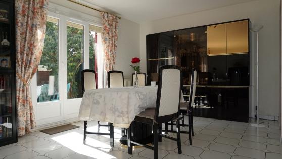 Annonce occasion, vente ou achat 'Ensemble SàM - living + table + 6 chaise'