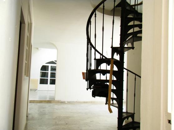 Magnifique escalier fonte en colimaçon - Photo 2