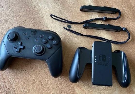 Nintendo Switch V2 avec jeux et accessoi - Photo 3
