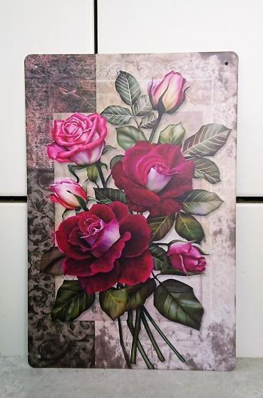 Roses imprimées sur plaque métallique.