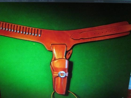 Annonce occasion, vente ou achat 'ceinturon holster cow boy'