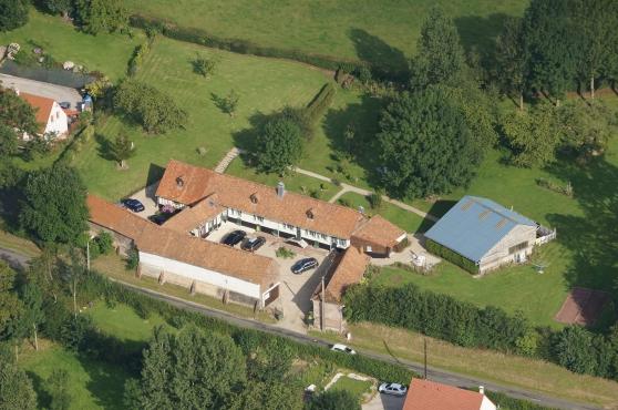 Au Domaine d\'Etreuille gite 31p piscine - Photo 2