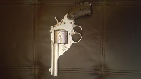 Annonce occasion, vente ou achat 'Revolver type smith wesson'