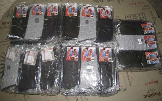 Lot de 300 paires de chaussettes