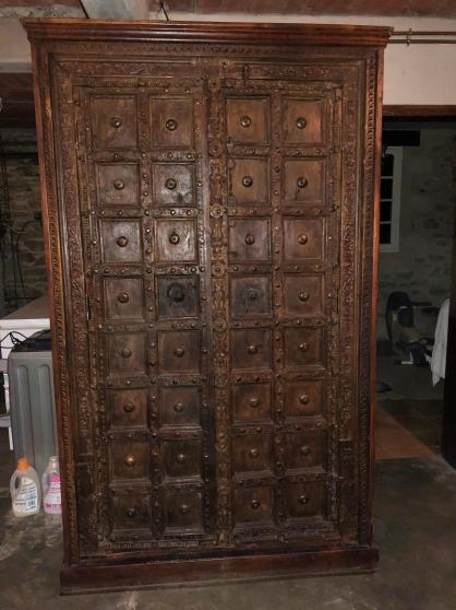 Petite Annonce : Très belle armoire ancienne thaïlandaise - Vends très belle armoire thaïlandaise  Très beau meuble ancien de