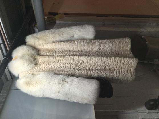Manteau fourrures astrakan blanc et loup