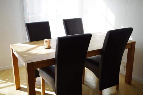 Annonce occasion, vente ou achat 'Vend Chaise cuir marron ot de 6 possible'