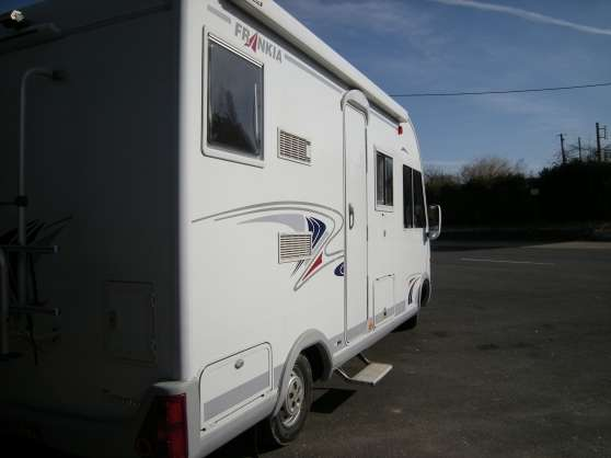 location int gral haut de gamme 4 places caravanes camping car camping car cormery. Black Bedroom Furniture Sets. Home Design Ideas