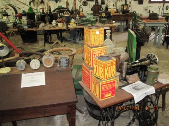 VIDE musée de l'outillage, vieux meubles - Photo 2