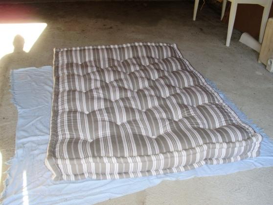 Annonce occasion, vente ou achat 'Matelas en laine/Sommier à ressorts'