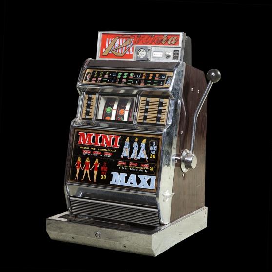 Annonce occasion, vente ou achat 'vends machine à sous marque riviéra'