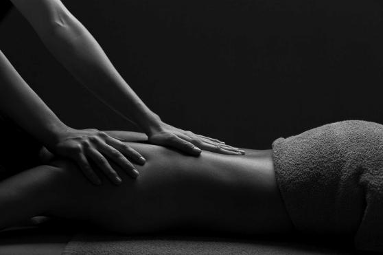 Massage intégrale pour une Femme