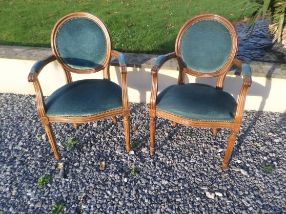 Annonce occasion, vente ou achat 'fauteuils médaillon'
