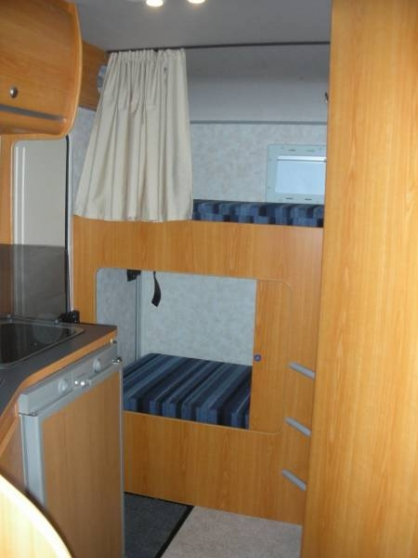 Camping car pilote 7 places - Photo 2