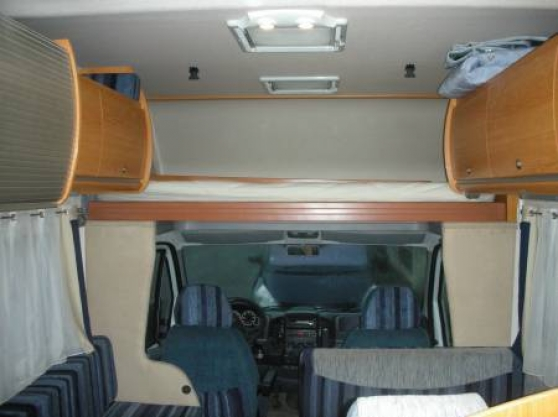 Camping car pilote 7 places - Photo 3