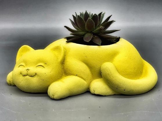 Annonce occasion, vente ou achat 'pot de fleurs unique fait et peint à la'