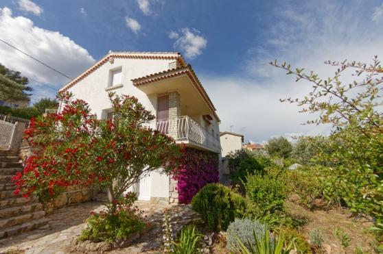 - Villa à OLLIOULES (T4 + T2) - - Photo 2