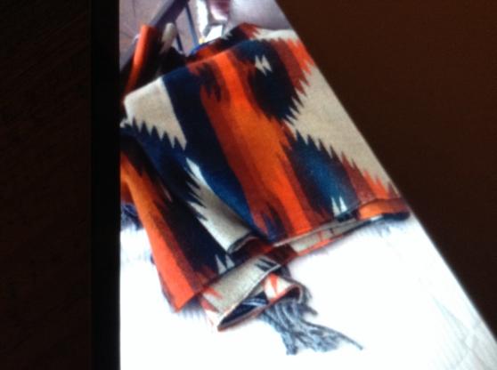Recherche écharpe épaisse, de style aztèque
