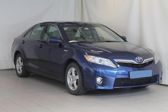 Toyota Camry 2.4 Hybrid