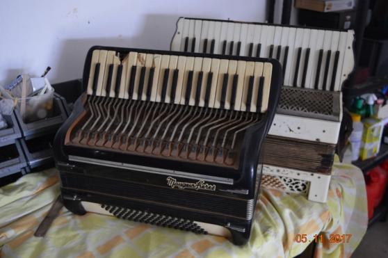 Petite Annonce : Accordéons vintage - 2 Accordéons à restaurer pour décoration ou pièces. Années: 1930 -