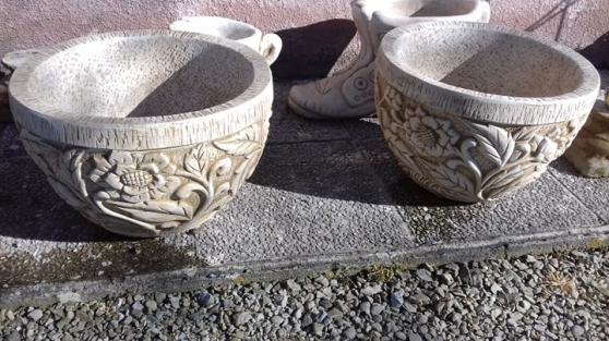 2 vases en pierre
