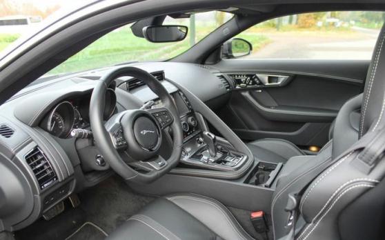 Jaguar F-Type Coupe 5.0 V8 550ch R AWD B - Photo 3