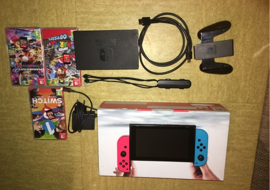 Nintendo Switch avec ses 2 manettes