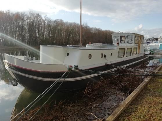 PENICHE bateau HABITABLE 19M